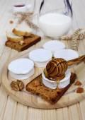 Shavuot: milk, soft cheese and honey — Stock Photo