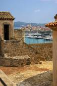 France, Antibes: view of the Old City of Fort Carre — Stock Photo