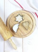 Utensils for baking: rolling pin, molds, flour and sugar — Stockfoto