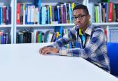 Student learning in the library — Stock Photo