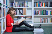 Beautiful  student studying — Stock Photo