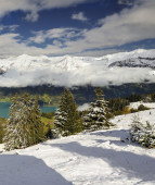 Winter in the swiss alps, Switzerland — Stock Photo