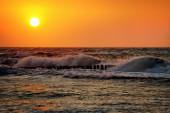 Deniz plaj mavi gökyüzü kum güneş gündüz gevşeme peyzaj — Stok fotoğraf