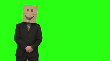 Paperbag man is presenting — Stock Video