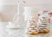 Gingerbread christmas pine — Stock Photo