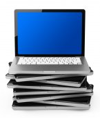 Der Laptop-stack — Stockfoto