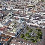 Quito, Plaza Grande y San Francisco — Stock Photo #67460071