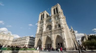 19.11.2014, Paris, France: heroic Time-lapse in 4K Uhd of the famous Notre Dame cathedral in Paris, France. — Stock Video
