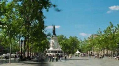 Hyperlapse in Paris, Place de republique — Stock Video