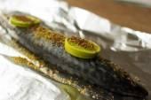 Falgu fish with lime garlic and onion — Stock Photo