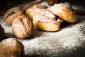 Buns from yeast dough with cinnamon cooked at home — Stock Photo