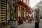 Morning in the city, cafes decorated for Christmas — Stock Photo