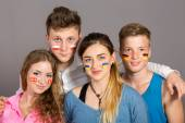 International group of teenagers — Stockfoto