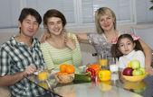 Breakfast of multiethnic family — Stockfoto