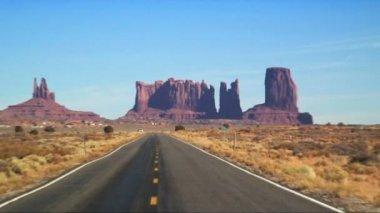 Carretera del valle monumento — Vídeo de stock