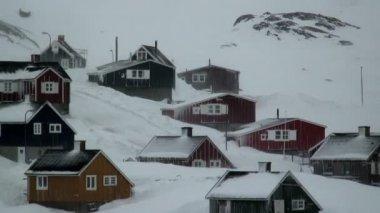 Tasiilaq village on a bitter winter day — Stock Video
