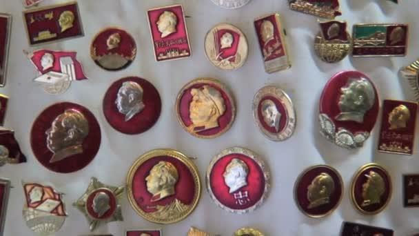 Chairman Mao badges Hong Kong — Vidéo