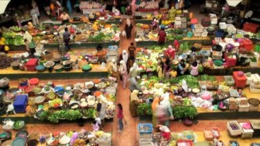 People in vegetable market — Stock Video