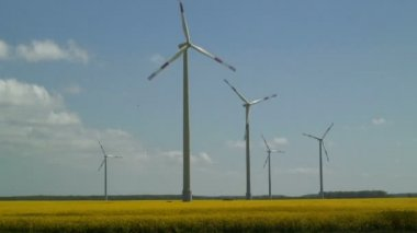 Wind Farm in UK — Stock Video