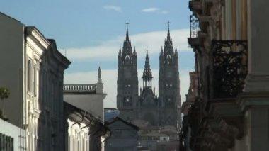 La Basilica in Quito — Stock Video