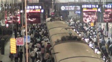 Commuters in Mumbai — Stock Video
