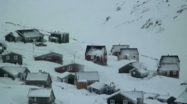 Tasiilaq village on a bitter winter day — Vídeo stock