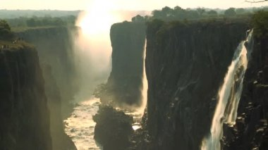 Victoria Falls and the Flowing Zambezi River — Stock Video