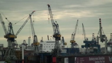 Container Ship in Hamburg — Stock Video