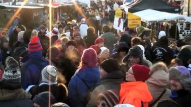 Swedish outdoor winter market — Stock Video