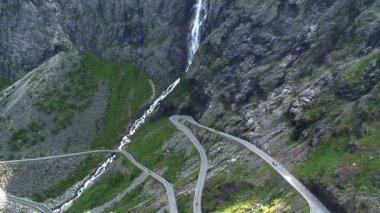 Winding road ,Norway — Stockvideo