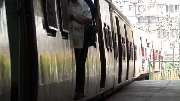 People in the train — Vidéo