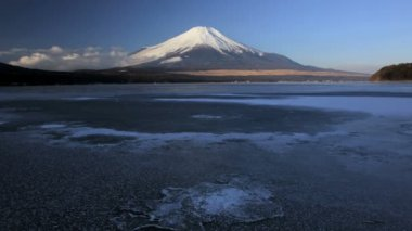 Mountain Fuji with Lake Yamanaka — Stock Video