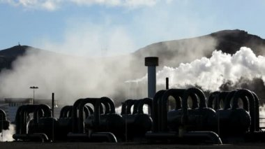 Steam from a Geothermal Plant creating energy from natural Hot springs — Stock video