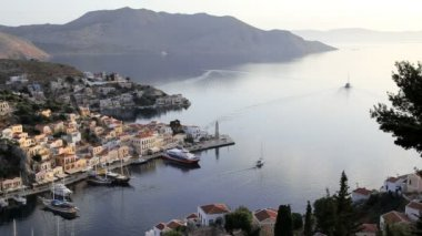 Simi Town Houses by the beautiful harbour  Island of Symi,  Greece — Vídeo de Stock