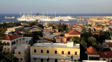 Rhodes town, Cruise ships and Harbour Aegean Sea, Greece — Stock Video