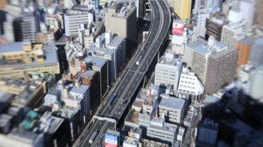 Trafik ve Tokyo içinde gökdelenler — Stok video