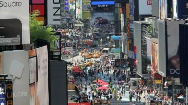 Times Square New York with billboards neon lights and Illuminated signs, USA — Video Stock
