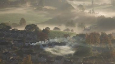 Early morning autumn mist — Stock Video