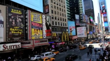 People traffic and billboards of Times Square, New York, USA — Αρχείο Βίντεο