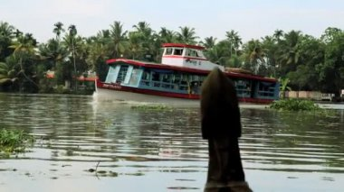 Boat on Kerala backwaters — Stock Video
