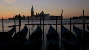 Gondolas moored in the Lagoon — Stock Video