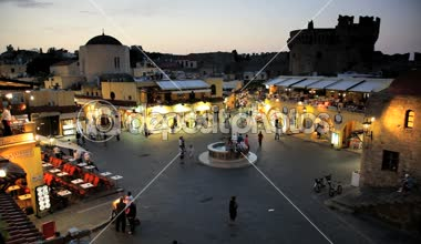 People enjoying an evening in Hippocrates Square, Rhodes old Town, Greece, Time lapse — Stock Video