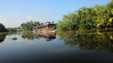 Passenger boat on Kerala backwaters — Stock Video