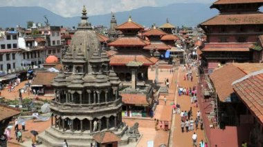 Pagodas and Temples in Patan square — Stock Video