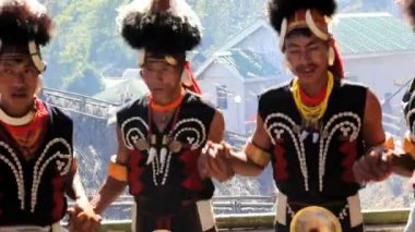 Chang tribesmen dancing — Stock Video
