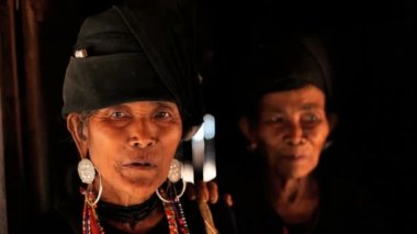 Tribe women smoking pipes — Video Stock