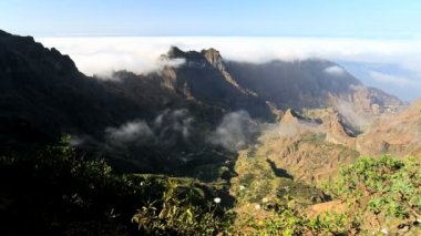 Mountain clouds on the coast Santo Antao — Stock Video