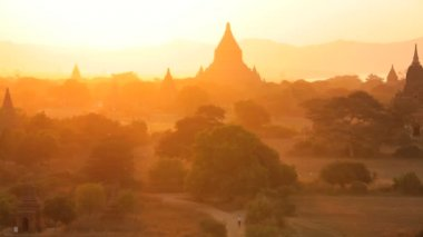 Temples and Pagodas in the  Bagan — Stock Video