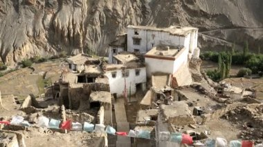 The  remote mountain village of Lamayuru — Stock Video