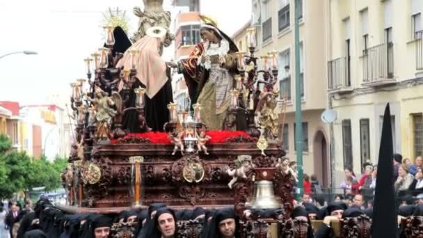 Religiosa Trono llevado por los Costaleros de Semana Santa — Vídeo de stock